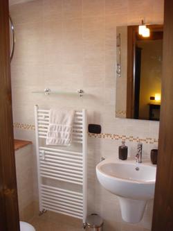 Villa Miramonti-Rondine bathroom
