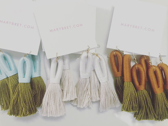 Pippa Tassel Earring in White/Off-White