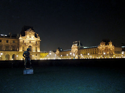 Louvreatnight.jpg