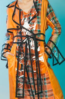 Удлиненный оранжевый плащ iCoat