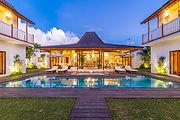 real-estate-4955086_1920.jpg