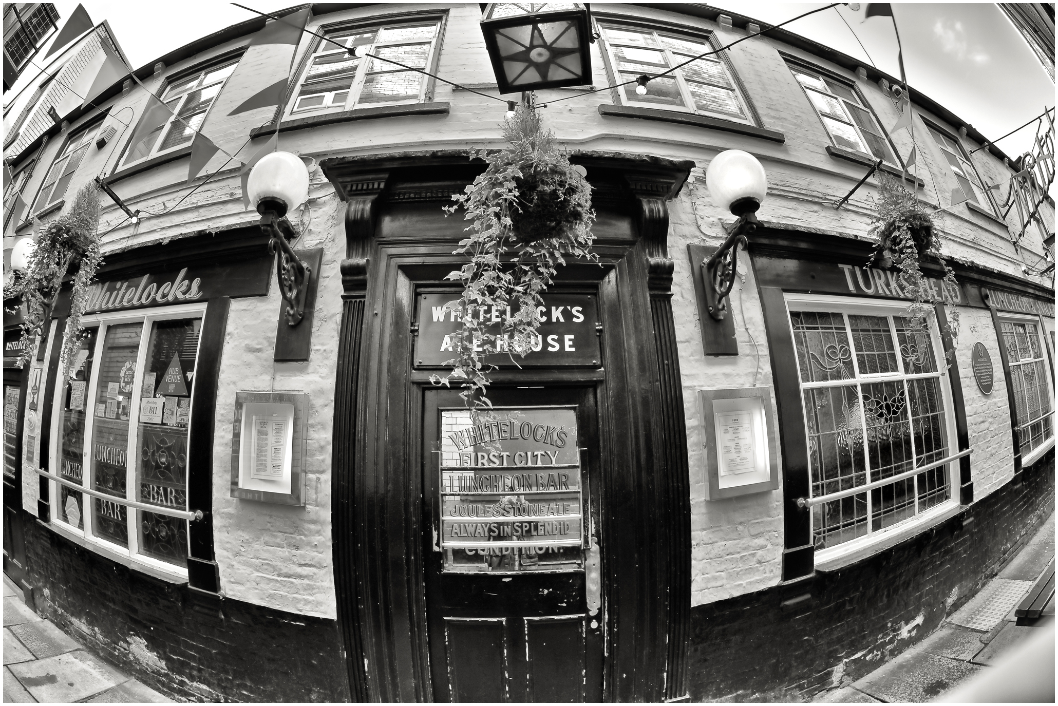 Whitelock's Ale House
