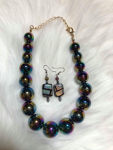 Beaded Iridescent Necklace Set