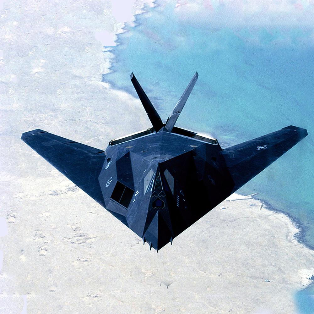 1000px-F-117-Nighthawk-cloudy