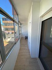 """<p class=""""font_8"""">&nbsp;Excelente apartamento T2+1 com 100 m² privativos área total 132 m². Totalmente remodelado, composto por:</p> <p class=""""font_8"""">Cozinha equipada, sala ampla, 2 quartos com roupeiros embutidos + 1 com luz direta. Wc completo, despensa, hall de entrada, hall dos quartos, marquise, varanda e lugar de garagem.</p> <p class=""""font_8"""">Localizada no centro de Ermesinde. A 500 mts da estação de comboios. Proximidade: Parque Urbano, escolas primária e secundária, CTT, &nbsp;comércio (Mercadona, LIDL e Intermarché) e serviços.</p>"""