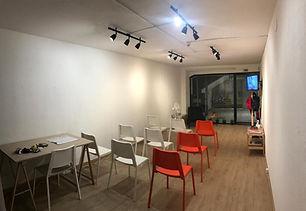 """<p class=""""font_8"""">Loja/Espaço comercial, com 32 m2 localizado numa das principais ruas de comercio do Porto.&nbsp;</p> <p class=""""font_8""""><br></p>"""