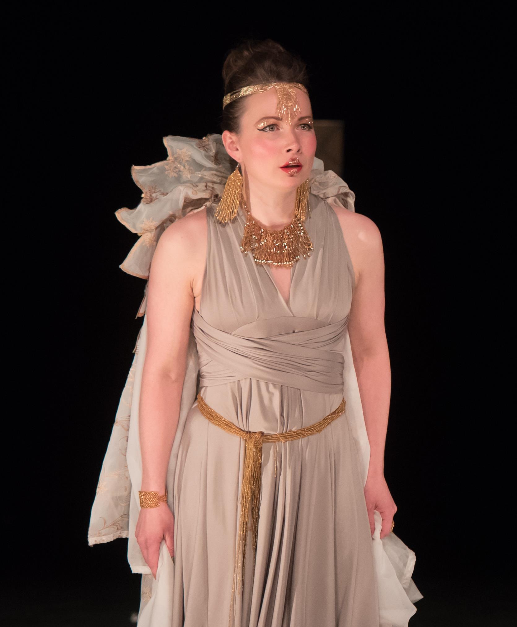 Georgina - Les habits de l'empereur