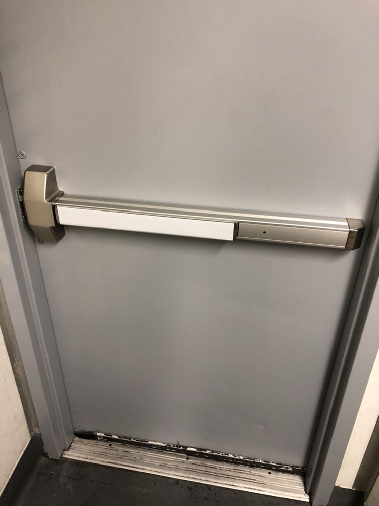 Push Bar Emergency Exit