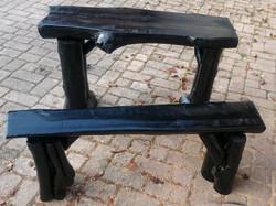 4. Komplet miza in klop, črn