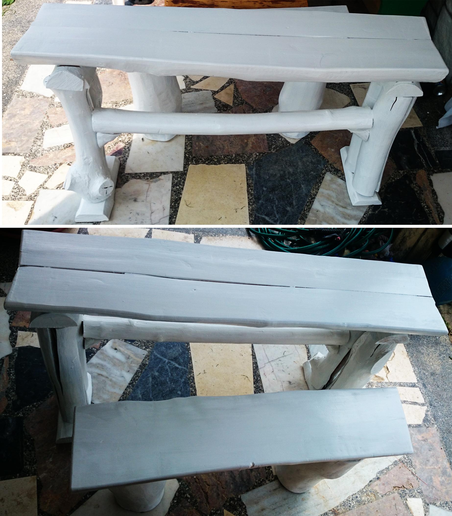 3. Komplet miza in klop, bel