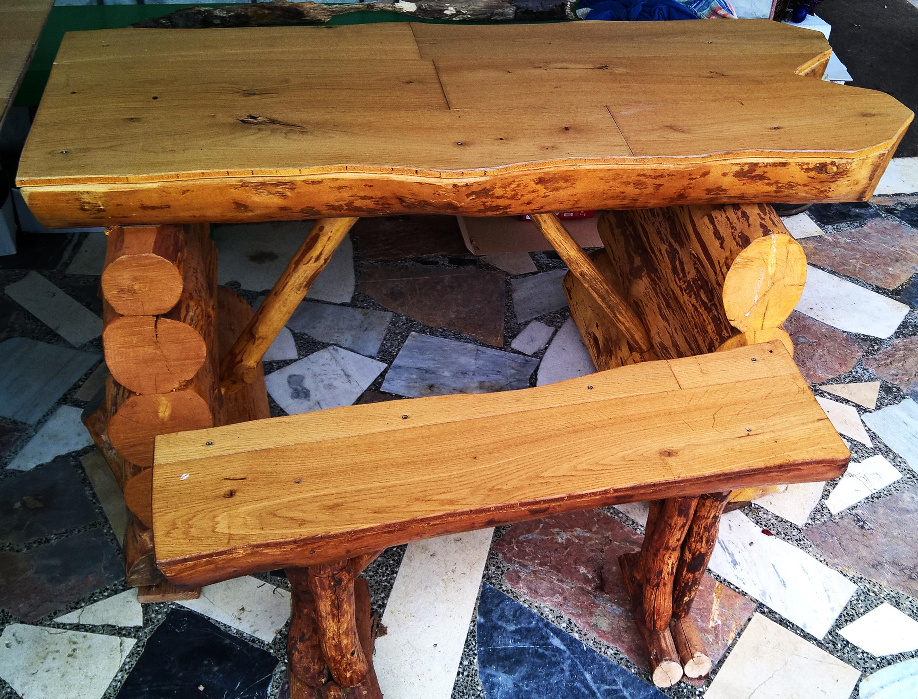 5. Komplet, miza in klop, naraven