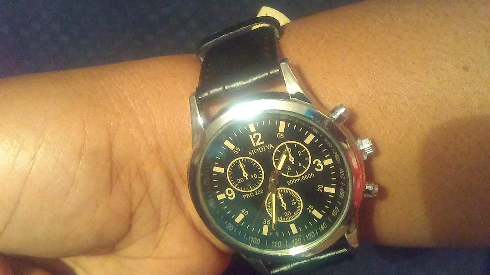 New Fashion Watch (Unisex)