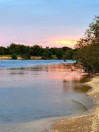mungkhan river web.jpg