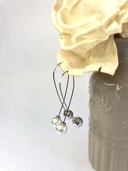 Silver and Pearl Ball Drop