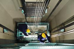MR-Marinegroup-Elevator