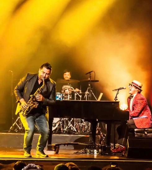 Sir Elton Live.jpg