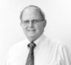 Mr. Richard Senturia
