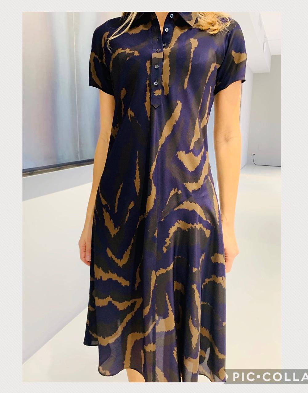 קולקציית סתיו 2020 מיקי שרוני אופנה בייבוא אישי, שמלת סתיו ממשי בגזרת פולו, שמל בצבעי סגול וחאקי - שילוב מפתיע ומוצלח מאוד