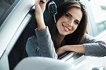 meisje met sleutel in auto klein.jpg