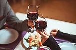 wijn toasten restaurant.jpg