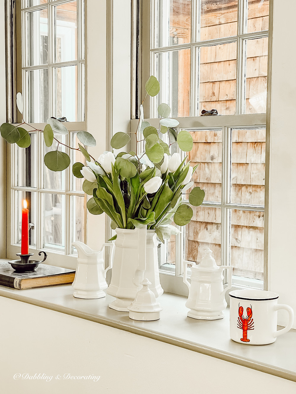 5 Easy Ways to Decorate a Windowsill