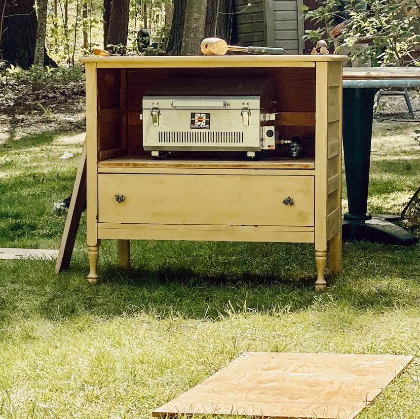 DIY Outdoor Grilling Station