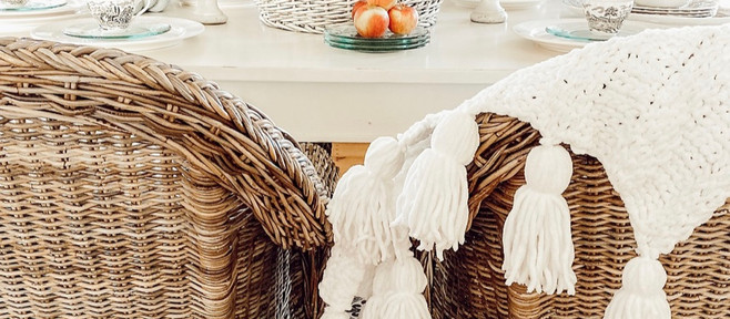 Simple Thanksgiving Fall Table