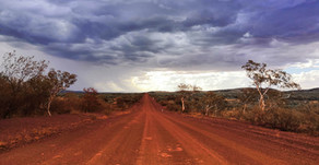 What to expect in Australian outback?  1400 km of wilderness from Perth to Karijini