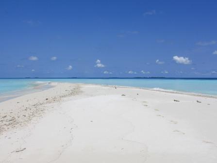 Maledivy za cenu dovolenky v Grécku? Čítaj tento kompletný návod ako na to.