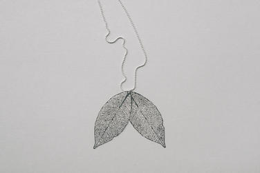 náhrdelník Bobkový list