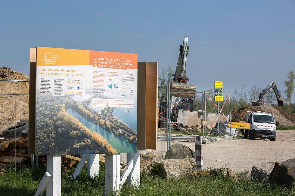 EPTB-Seine-Grands-Lacs-LaBassee-Panneaux-Bois_1.JPG
