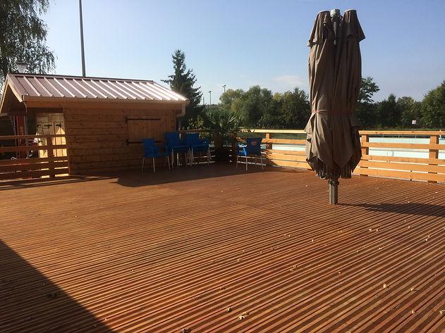 Nous répondons à toutes les demandes de terrasse bois, carport, appentis, pergola, abri bois.