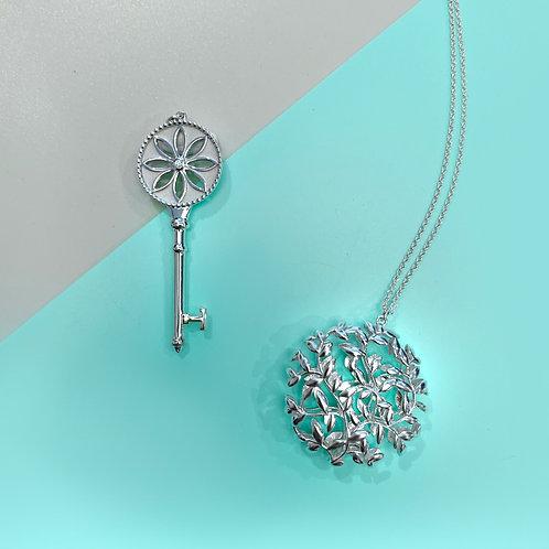 Tiffany & Co. - 雛菊鑽石鑰匙+橄欖葉圓牌吊墜