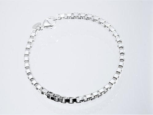 TIFFANY & Co.   Venetian link bracelet Pearl Necklace