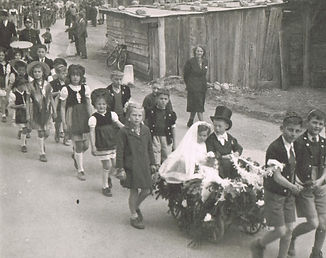 1944 - Cortège
