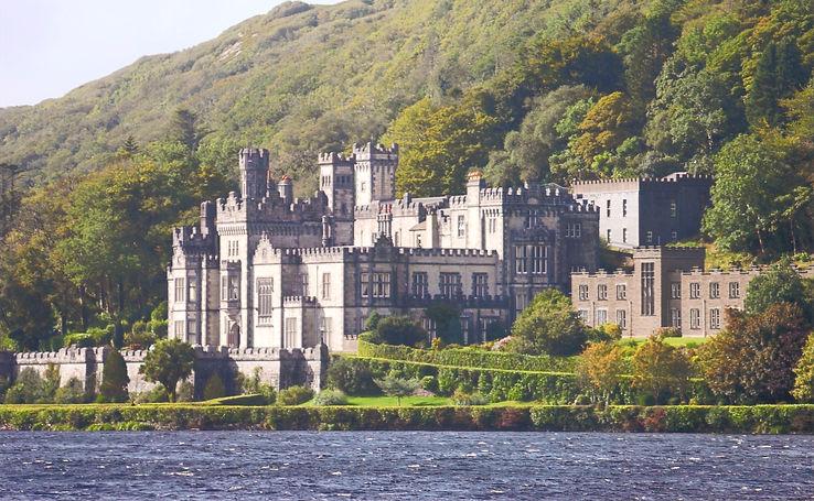 Ireland castle_edited_edited.jpg