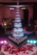 пирамида шампанского в Перми заказать, лепестки роз к пирамиде шампанского в Перми