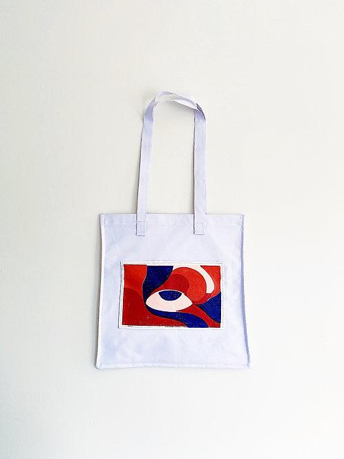 In M(eye) Bag