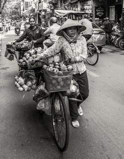 hanoi street trader