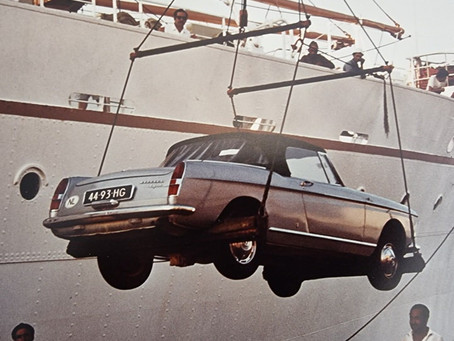 Favourite traveling companion: the Peugeot 404 Cabriolet