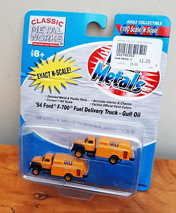 Metal Works N Scale 54 Ford Gulf Fuel Truck