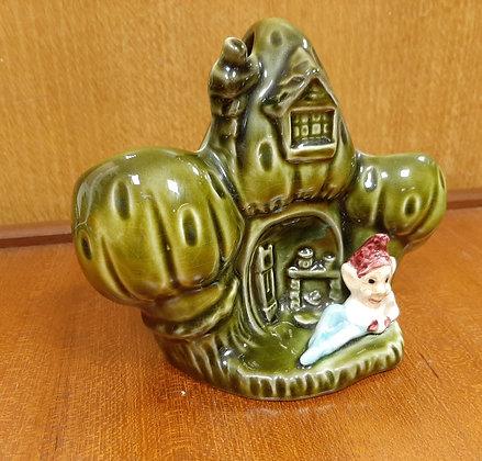 SylvaC 4887 House in the Glen Basket Gnome