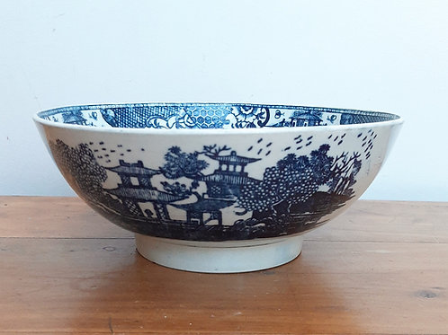 18thC Large Pearlware Bowl Conversation Variant Pattern