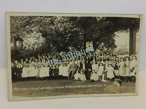 RP Postcard Mayors Treat at Beechfield Unposted