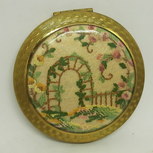 Pretty Kigu Compact Petit Point Garden Arch & Flowers