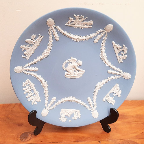 Wedgwood Jasperware Cabinet Plate Cupid & Shell Swags