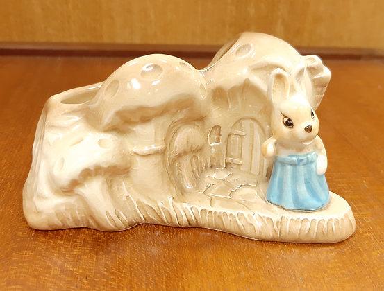 SylvaC Posy House in the Glen 4890 Rabbit