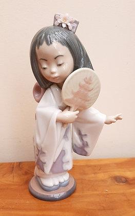 Beautiful Lladro ORIENTAL BEAUTY Figurine 6232