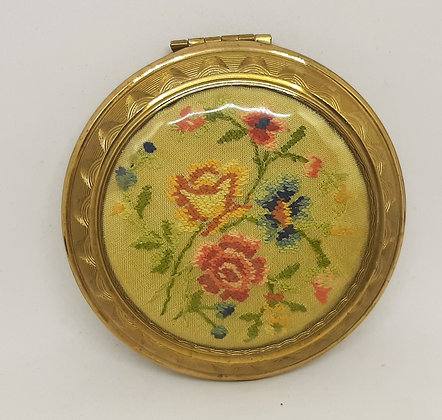 KIGU Petit Point Floral Spray Embroidery Powder Compact