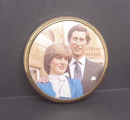 Mascot Powder Compact Charles & Diana
